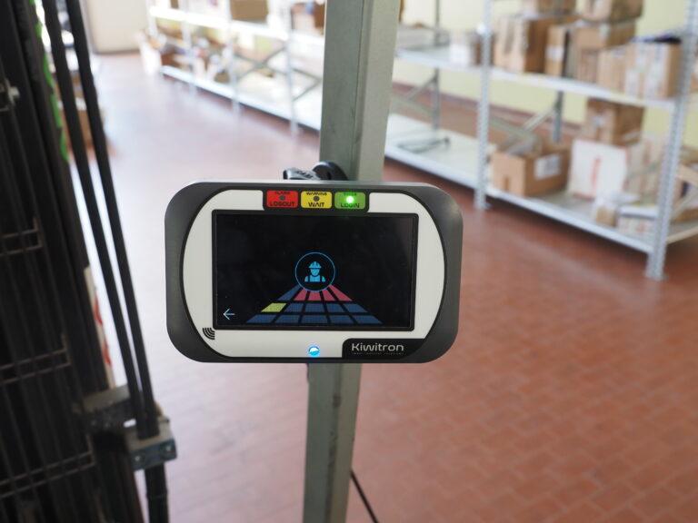 Sistema radar anticollisione carrelli e pedoni